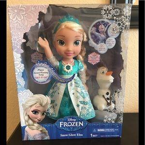 "Disney's ""Frozen"" Singing ""Snow Glow Elsa""❄️"